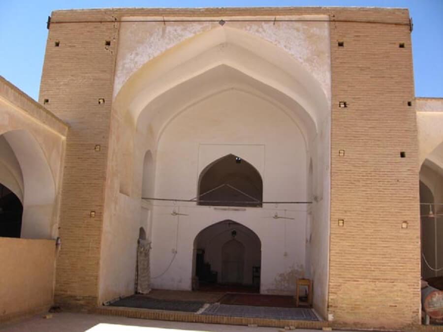 مسجد آدینه دستجرد حسن آباد
