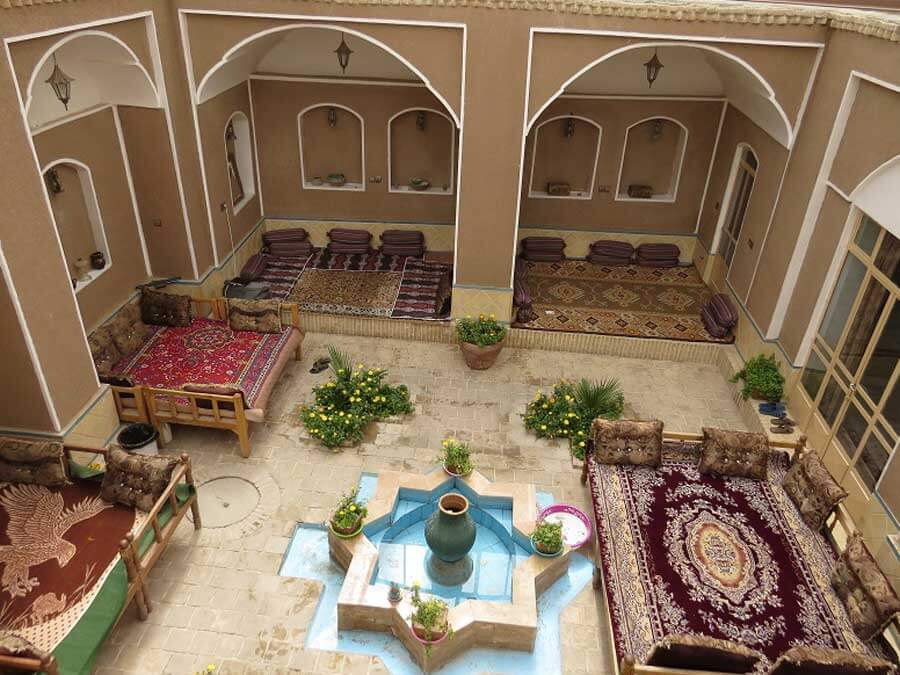 varzaneh guest house feathure - اقامتگاه سنتی ورزنه