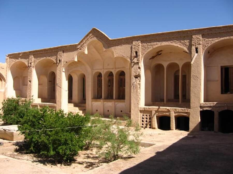 خانه ریاحی محمد آباد