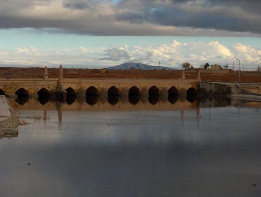 پل تاریخی شهر ورزنه