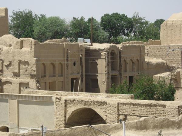 روستای اسفنداران